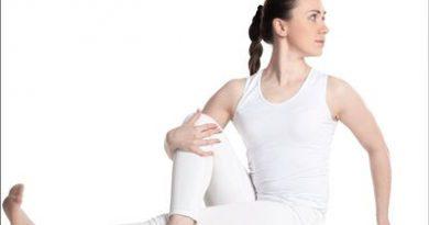 Vakrasana Yoga In Marathi