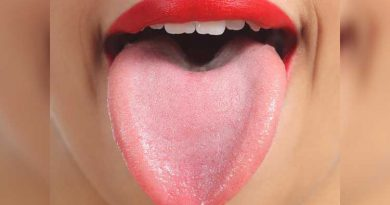 Tips for Tongue Cleaning In Marathi
